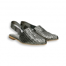 Gunmetal intreccio calf pointed Chanel heel 10 mm. leather sole