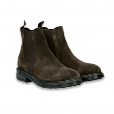Brown suede chelsea boot rubber sole