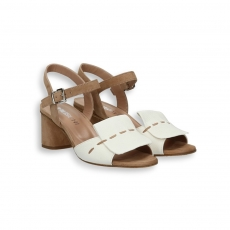White and brown goat calf flap sandal brown stitching heel 50 mm.